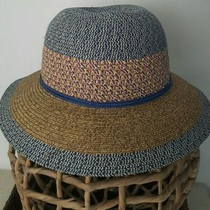 NINE WEST Straw hat  (NWT)